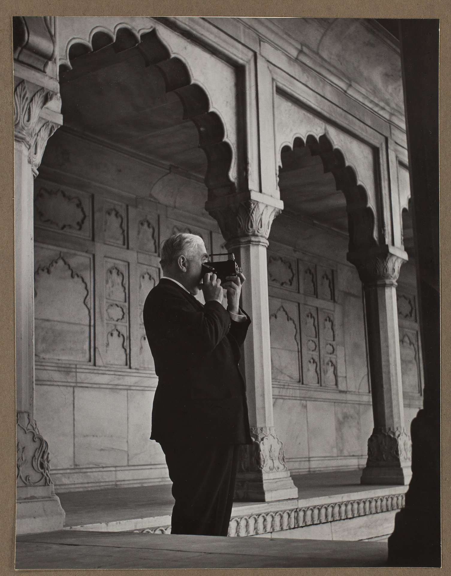 Robert Menzies filming at the Agra Fort during a visit to India in 1950