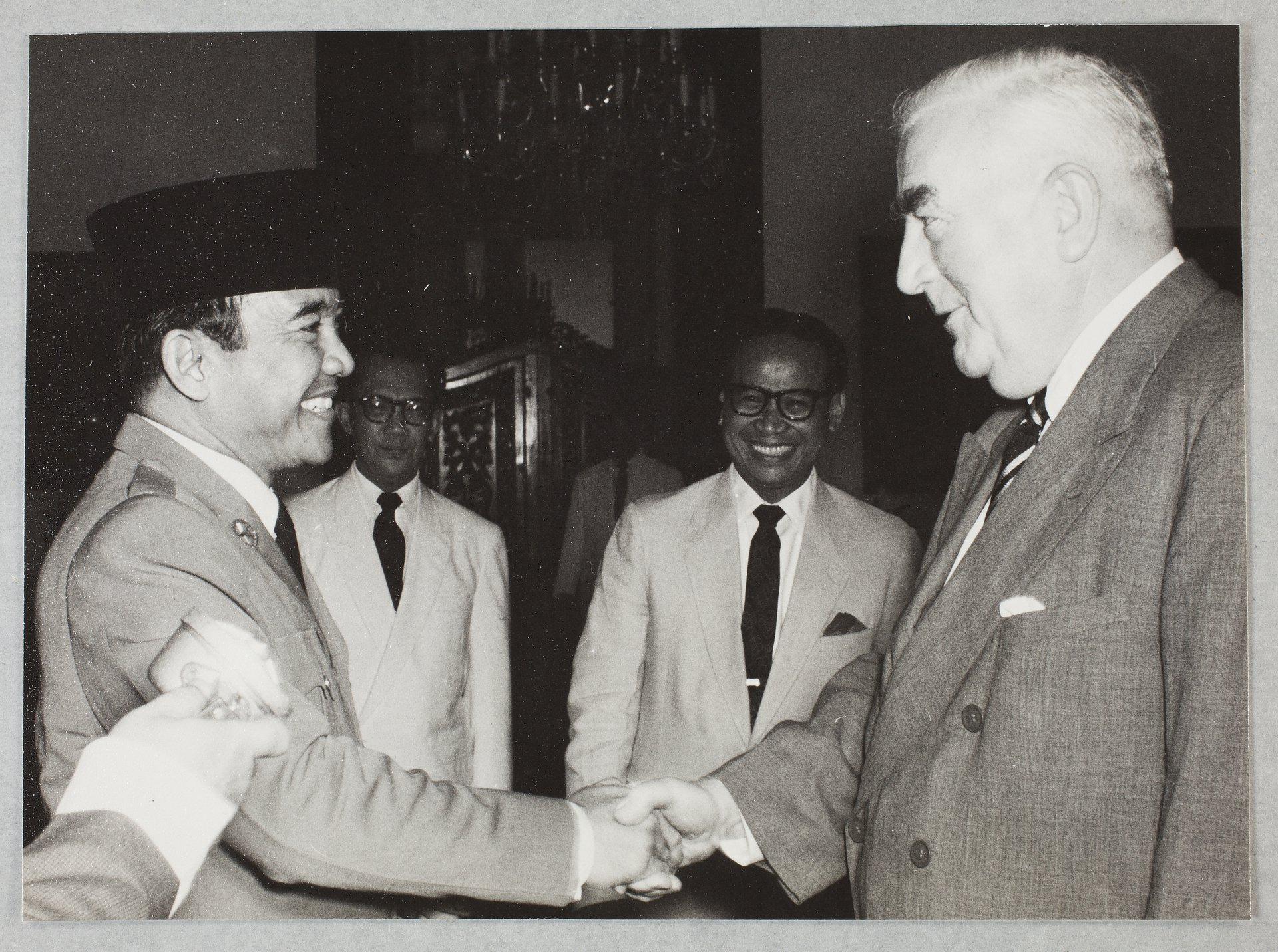 President Sukarno of Indonesia shaking hands with Robert Menzies during Menzies' visit to Indonesia in 1959